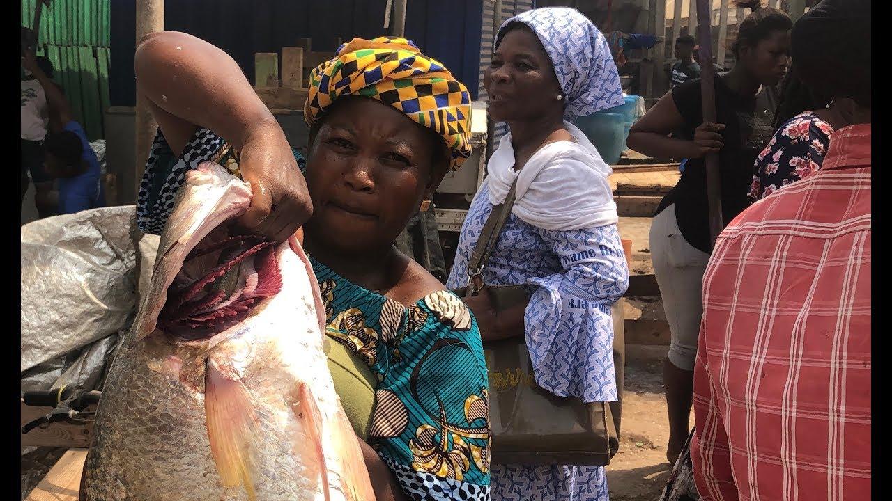 WATCH: Aggressive Fishmongers Everyday Life In Tema – Ghana