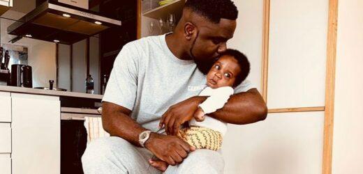 Photo: Sarkodie flaunts son; names him after himself